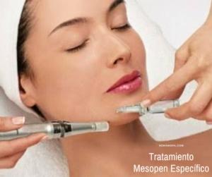 Una terapeuta aplicando un Tratamiento Mesopen Especifivo